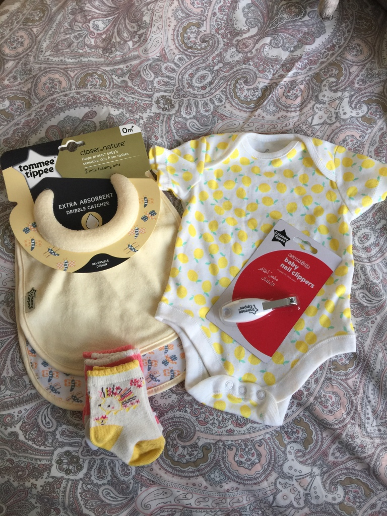 Baby-Body-Suit-Grow-Nail-Clippers-bib-Feeding-Eating-Milk-Socks-Tiny-Small-Chiild-Gifts-Presents