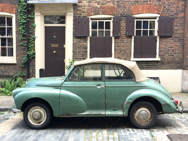 vintage-car-mint-green-convertable-old-rusty-english-street-shoresditch-east-london-afro-glory-natural-hair-blogger