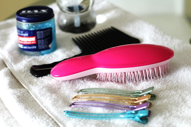 Afrocks-hair-review-service-afro-glory-natural-hair-blogger-black-british-london-hair-products-braids-tangle-teezer