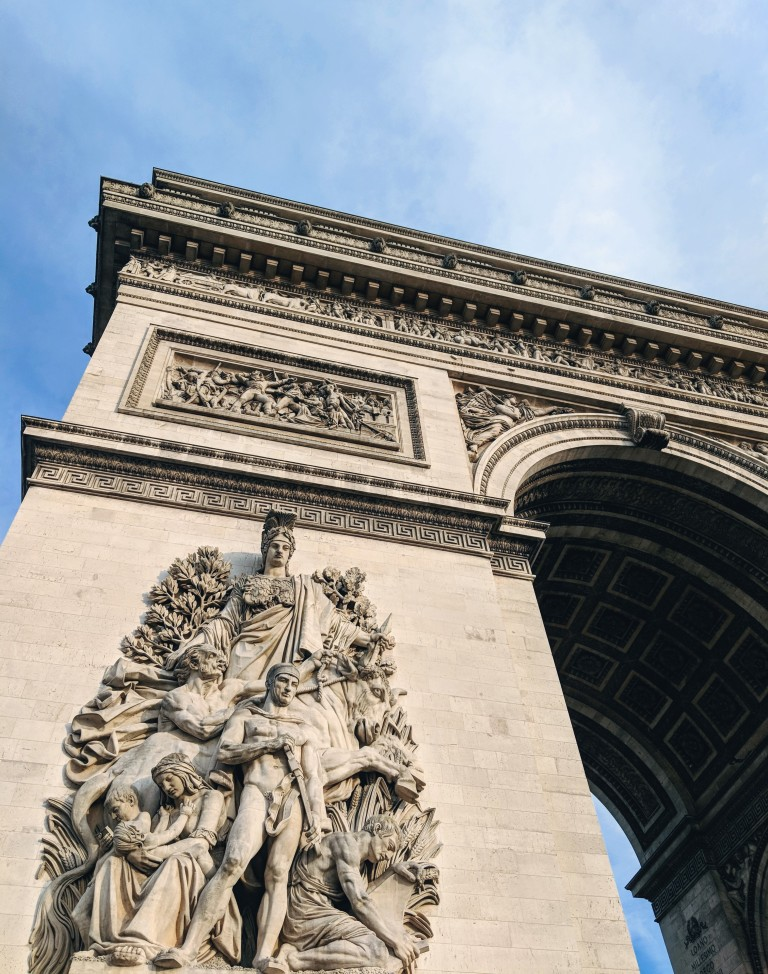 arc-de-triomphe-black-british-blogger-weekend-away-paris-tourist-guide